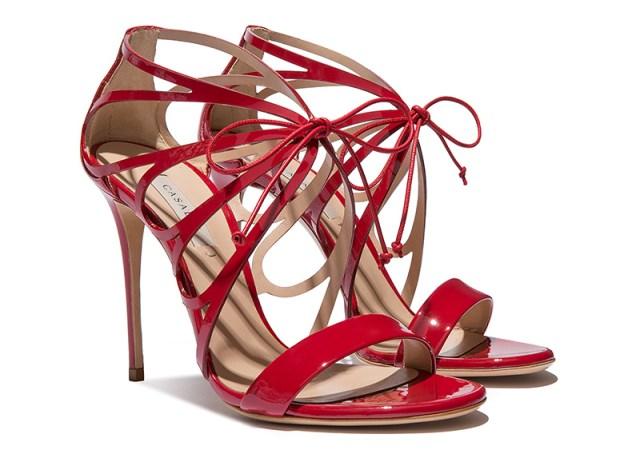 Красные босоножки Casadei в стиле любви