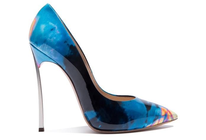 Космическая тема в новой коллекции туфель Casadei – фото новинки и тренды сезона