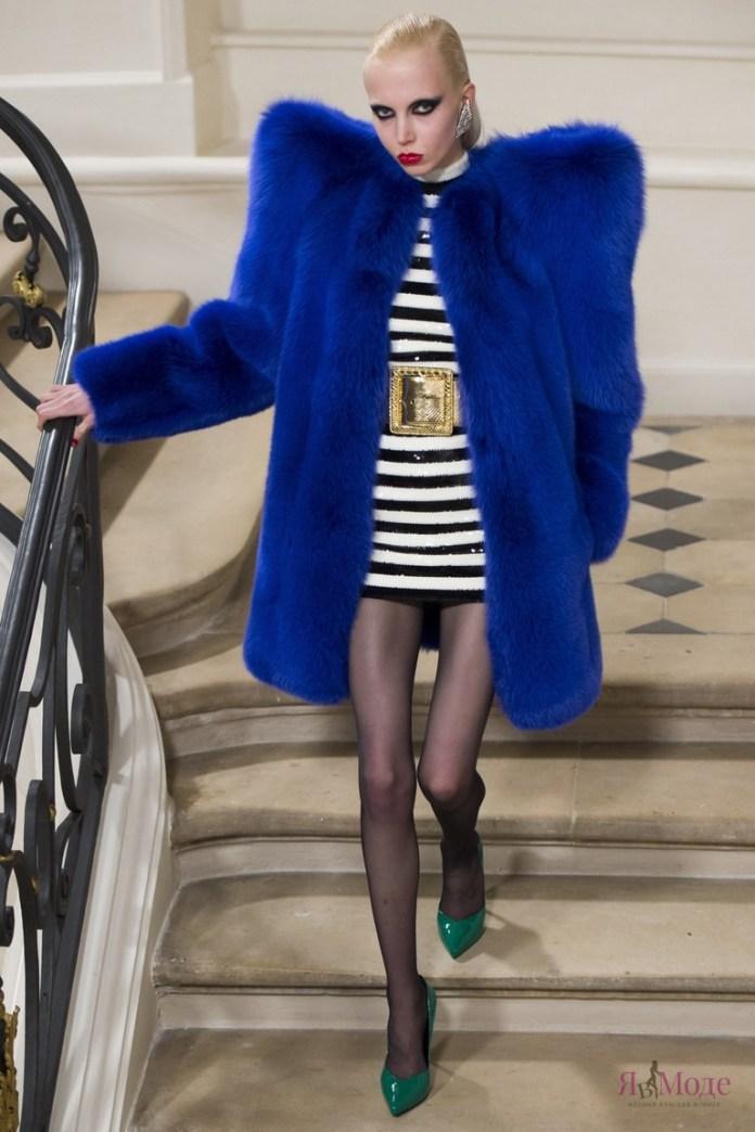 Показ новой коллекции Saint Laurent осень-зима 2016-2017 на неделе моды в Париже