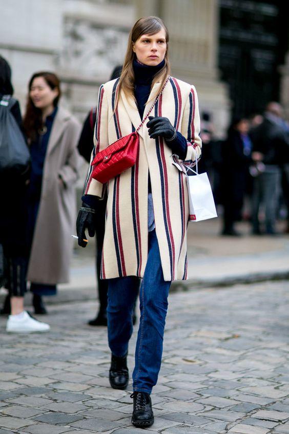 Модное пальто в полоску – тренд весны 2016