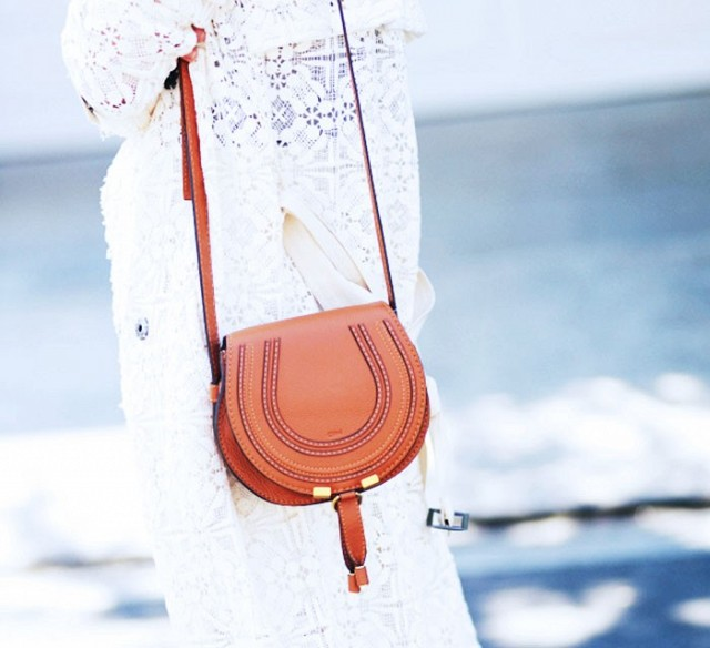 7-handbags-carried-by-the-worlds-most-powerful-women-1013978.640x0c