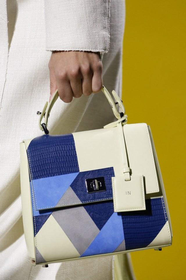 Модные сумки весна-лето 2016 - сумки с геометрическим рисунком из коллекции BOSS Hugo Boss.