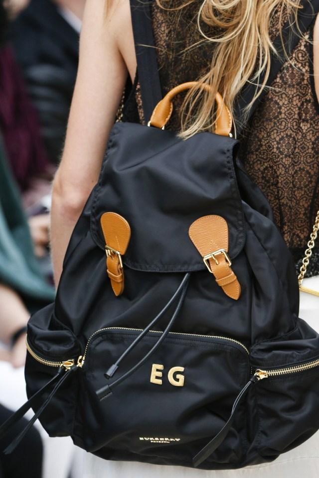Модные рюкзаки весна-лето 2016 коллекции Burberry.