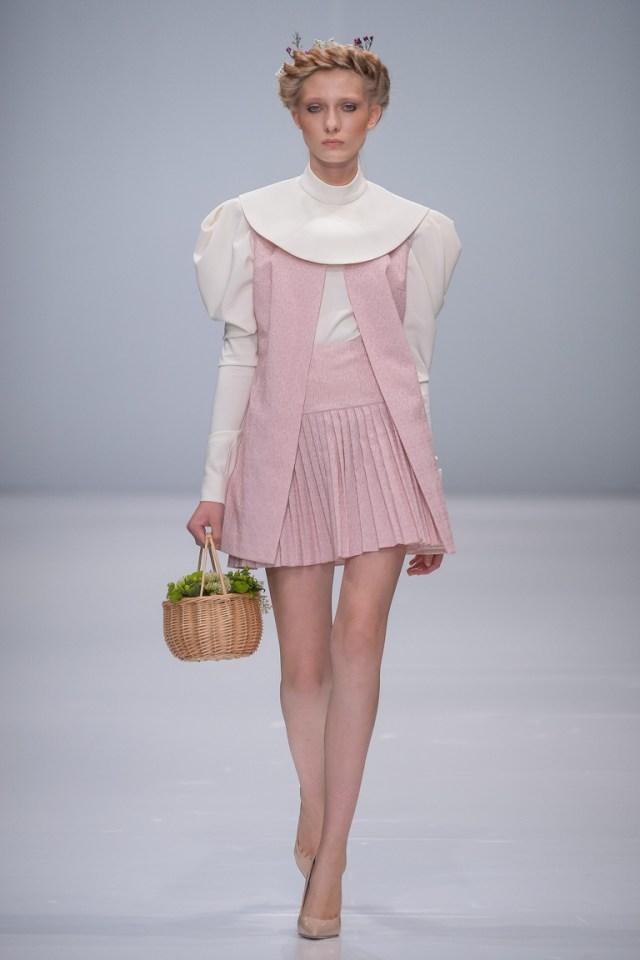 Монохромные наряды - наряд выполнен в розово- белом цвете из коллекции Rebel.