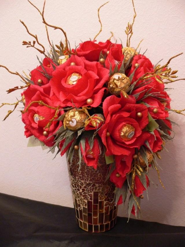 Потрясающих букетов цветов из конфет.