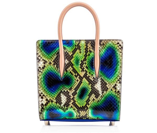 Новая коллекция сумок от Кристиан Лабутен - сумка оригинальной расцветки.