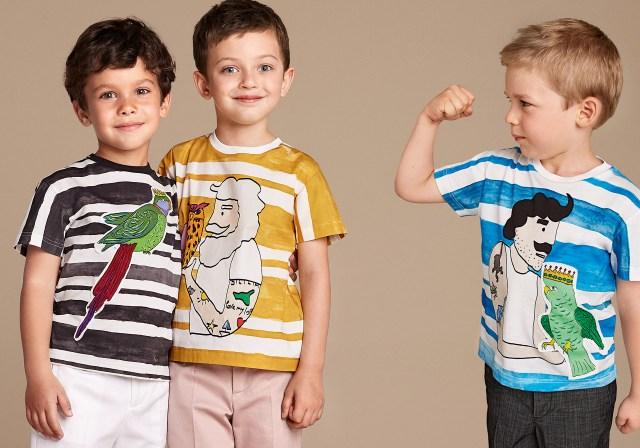 Новая коллекция для детей 2016 - футболки с детскими рисунками и шортами.