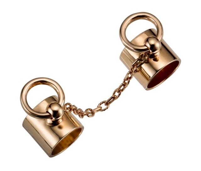 Кольца-наручники от Mawi.