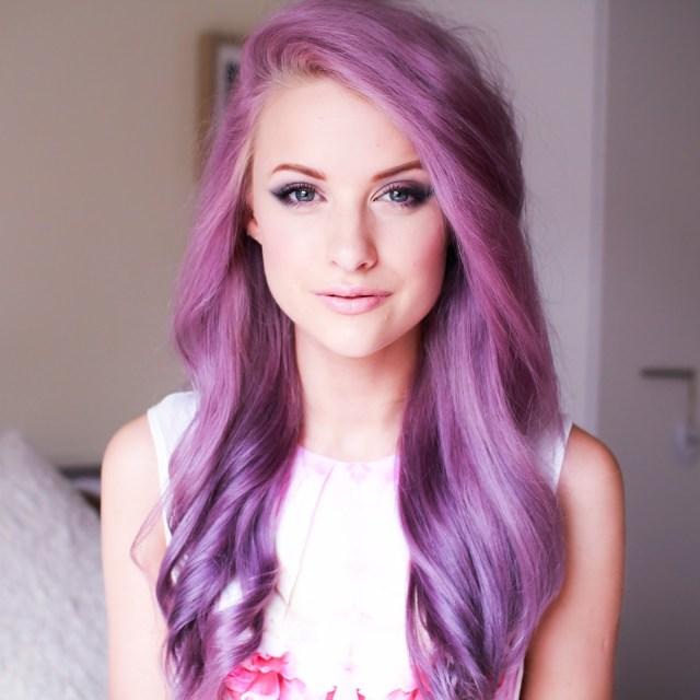 Новый тренд в окрашивании - оттенок насыщенный фиолетовый.