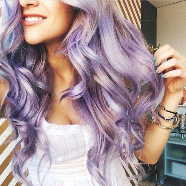 Новый тренд в окрашивании - фиолетовый оттенок.