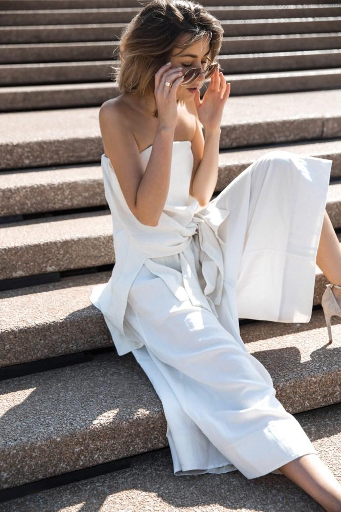 Универсальный белый цвет - белые брюки юбка.