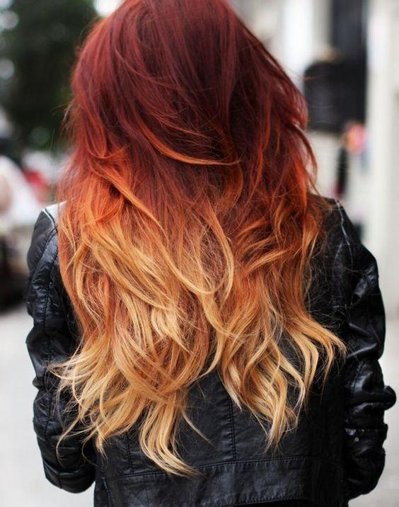 На фото: коричневый аттенок волос красиво сливается со светлыми концами прядей.