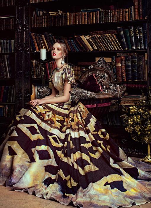 Новая коллекция платьев Светланы Лялиной по картинам Никаса Сафронова