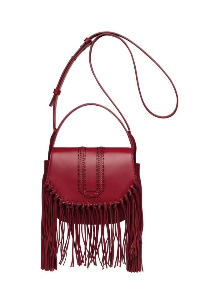 Модные сумки: тренд сезона - сумка с удлиненной ручкой фото из коллекции Elie Saab.