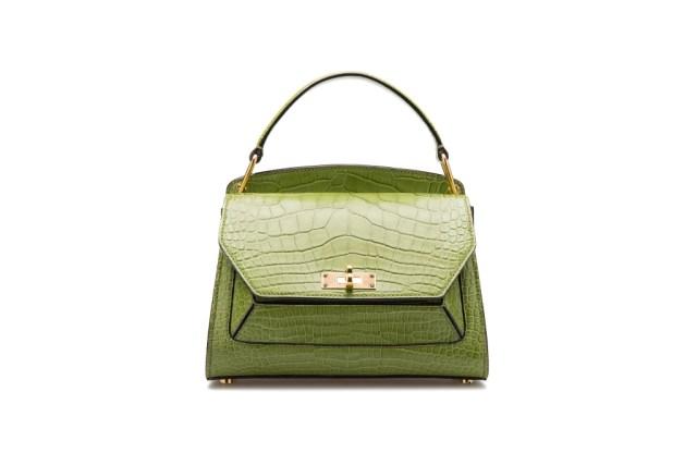 Модная сумка: яркая новинка сезона - сумки, имеющие одну ручку из коллекции bally.