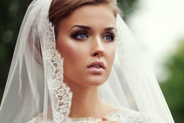 На фото: свадебный макияж - безупречный и идеальный.