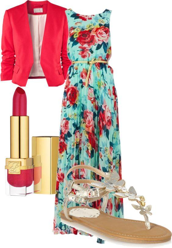 На фото: новый лук с длинным платьем с цветочным принтом с красным пиджаком.