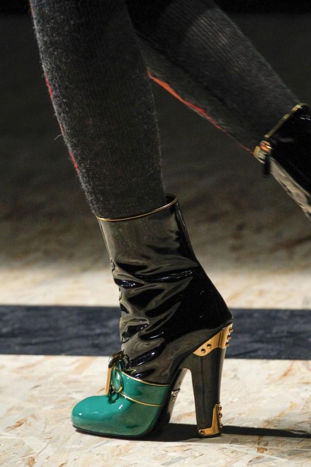 Модные сапоги: толстые каблуки – тренд осени 2016 и зимы 2017 из коллекции Prada.