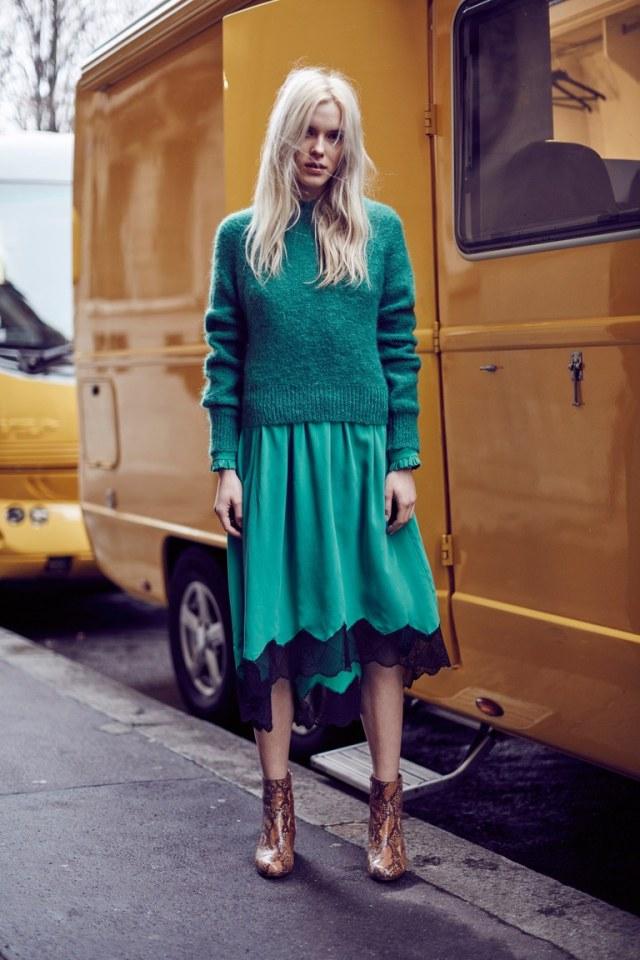 На фото: насыщенный изумрудный цвет одежды сезона осень-зима 2016-2017 из коллекции  Zadig-Voltaire.