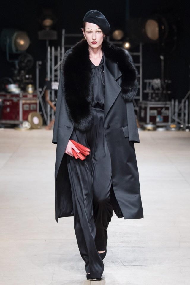 На фото: пальто из коллекции  Ester-Abner.