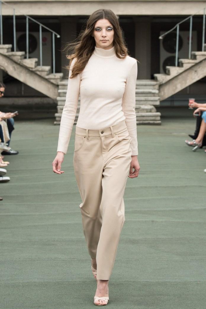 На фото: новый крутой модный образ из коллекции Walk-of-Shame.