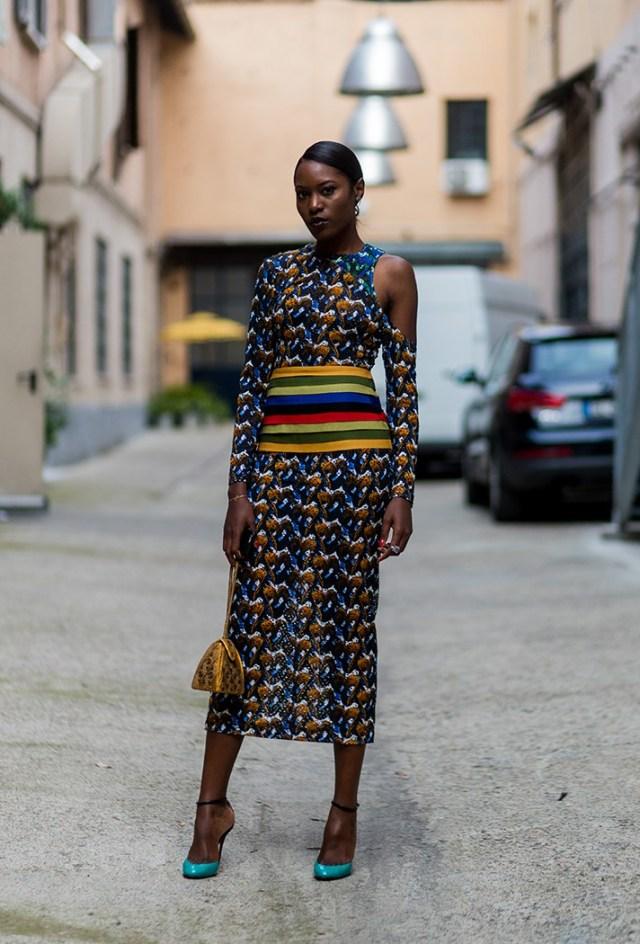 Длинное модное платье - фото новинки