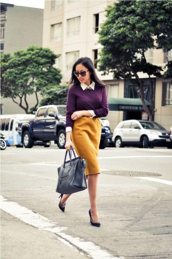 На фото: желтого оттенка юбка «карандаш» – новинка этого сезона.