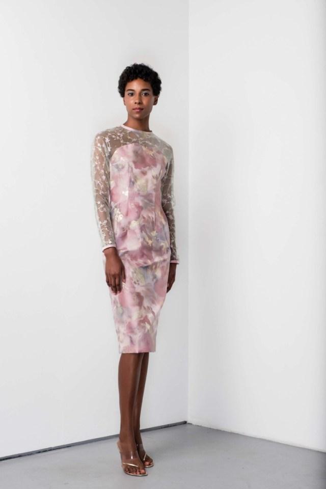 Розовое модное платье футляр 2017 с прозрачным верхом - фото новинка из коллекцииBarbara Tfank
