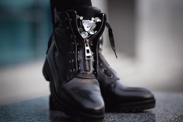 Оригинальные зимние кожаные ботинки BASSIRIANA на натуральном меху