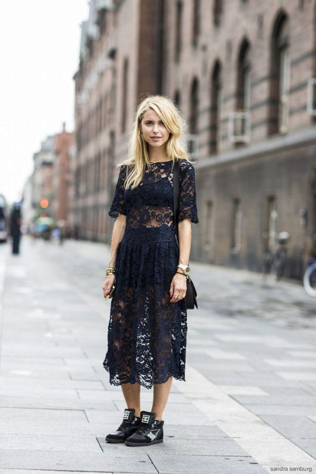 Модное черное кружевное платье 2017 в готическом стиле