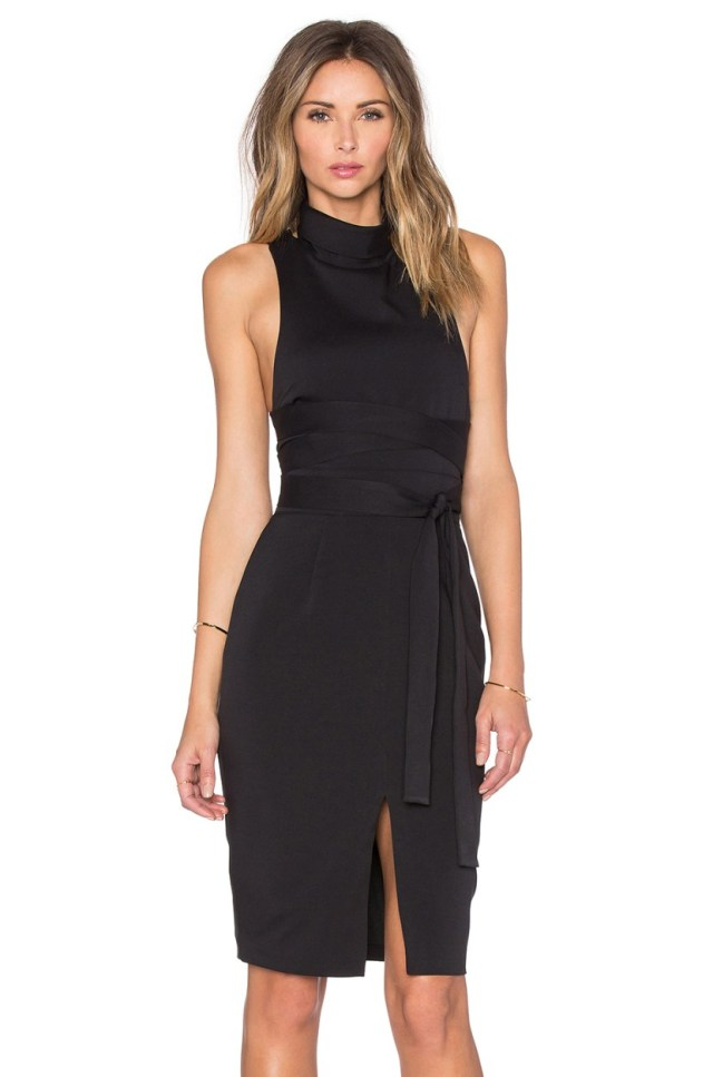 Модный вариант платья футляр 2017