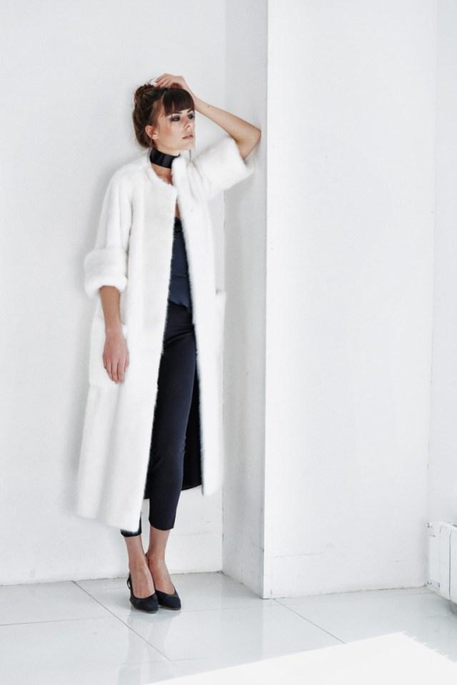 Модная эффектная белая шуба 2017 со слегка укороченными рукавами фото обзор коллекции by-Giulia.