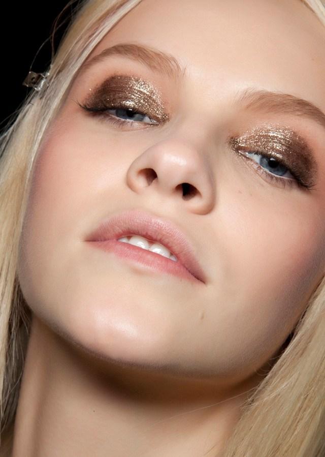 Макияж 2017 с блестящими глазами - вариант вечернего макияжа