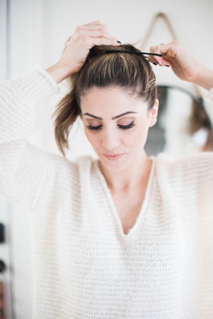 Простой пучок - стильная и простая прическа со средними волосами
