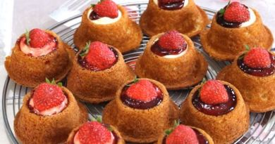 Çilekli Minik Pastalar yapımı