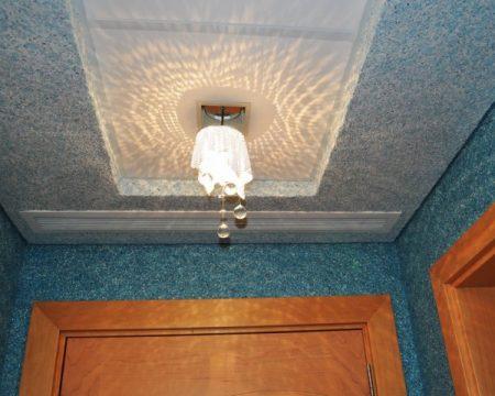 Отделка потолка в ванной комнате: варианты и этапы работ
