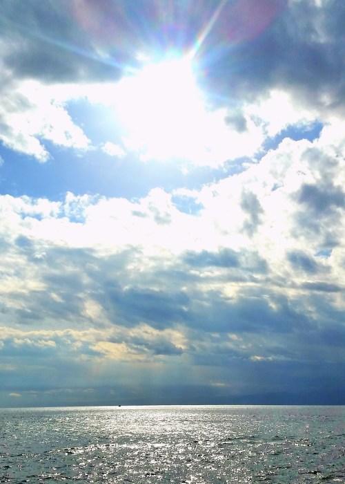 江ノ島岩屋洞窟周辺の海辺