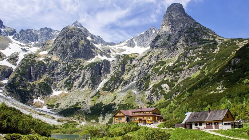 Mountain huts or chalets provide refreshments and overnight accommodation for hikers (Credit: Credit: Jan Gallo/Getty Images)
