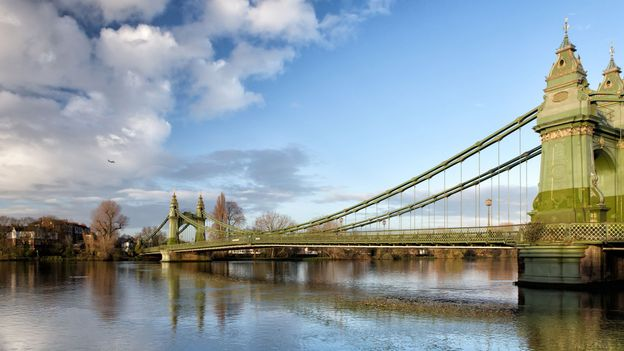 The Thames is a tidal river and the water level can rise and fall by as much as 7m (Credit: Credit: Mitakag/Getty Images)
