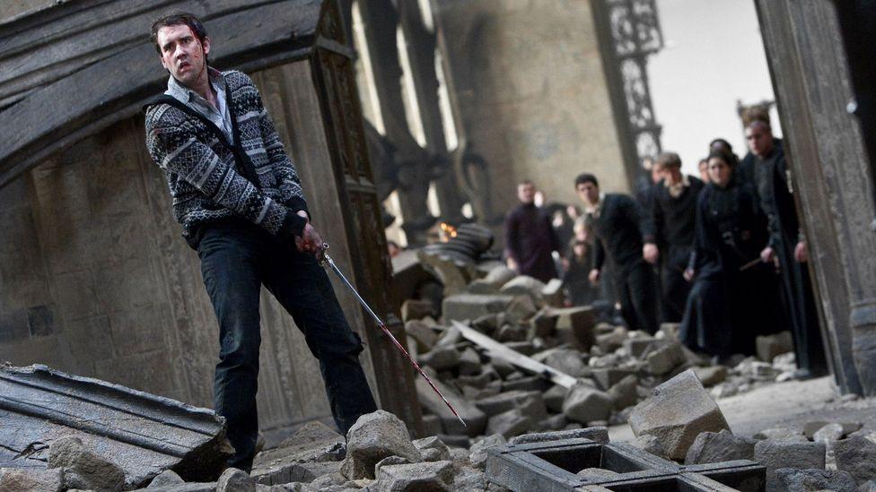 Neville Longbottom'un Hogwarts Savaşı sırasında Gryffindor Kılıcı'nı üretme yeteneği, onun 'gerçek bir Gryffindor' olduğunu gösterdi (Kredi: Alamy)