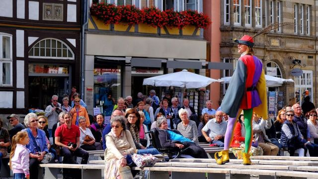 Michael Boyer dresses up as the Pied Piper incarnate and leads tours of Hamelin, Germany (Credit: Mano Kors/Alamy)