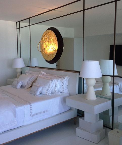3 Jupiter Island Modern bedroom