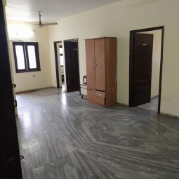 3 BHK Semi Furnished Flat Available On Rent