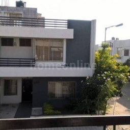 6 BHK Semi Furnished House Available On Rent