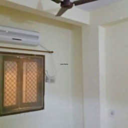 4 BHK Semi Furnished Flat Available On Rent