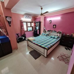 4 BHK Semi Furnished Flat Available On Sale