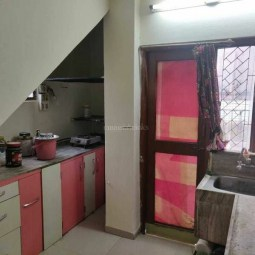 4  BHK Furnished Flat Available on sale