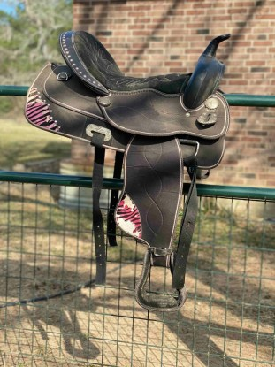 cute western saddle with tack set