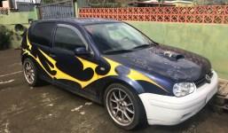 Vendo VW-GOLF 4 1600.