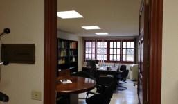 Amplia oficina y buena ubicación